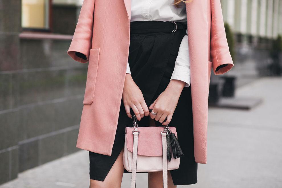 So wählst du die richtige Schmuckfarbe zu deinem Outfit