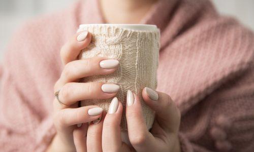 Rissige Hände bei Kälte: So pflegst du deine Hände in der kalten Jahreszeit
