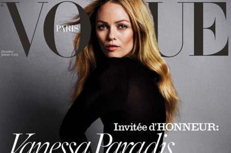 So nackt zeigt sich Vanessa Paradis am Cover