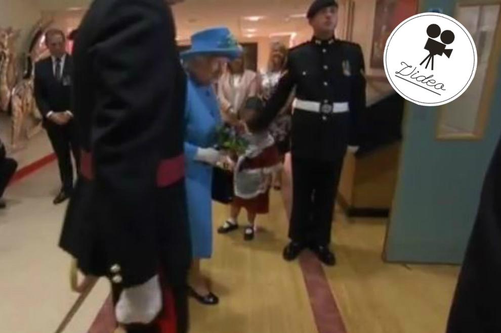 Soldat ohrfeigte bei Queen-Besuch ein Mädchen