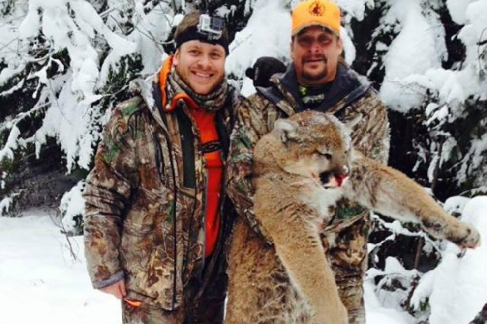 Kid Rock posiert mit totem Puma