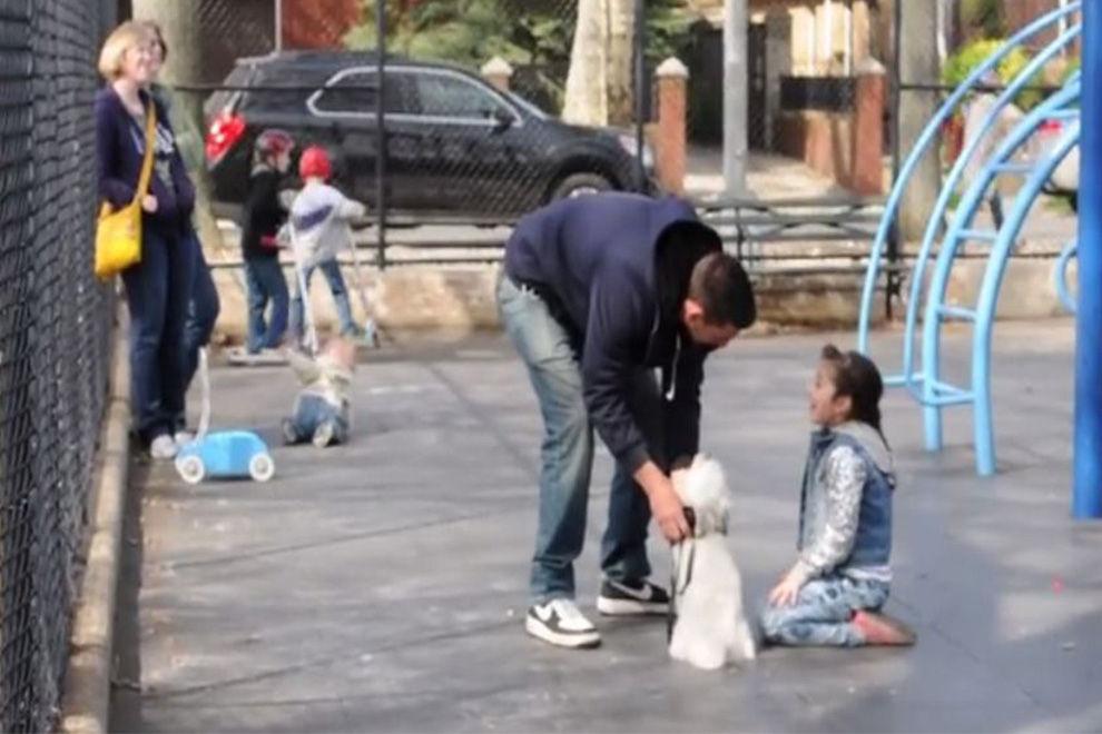 Dieser Mann entführt Kinder und stellt die Videos auf YouTube