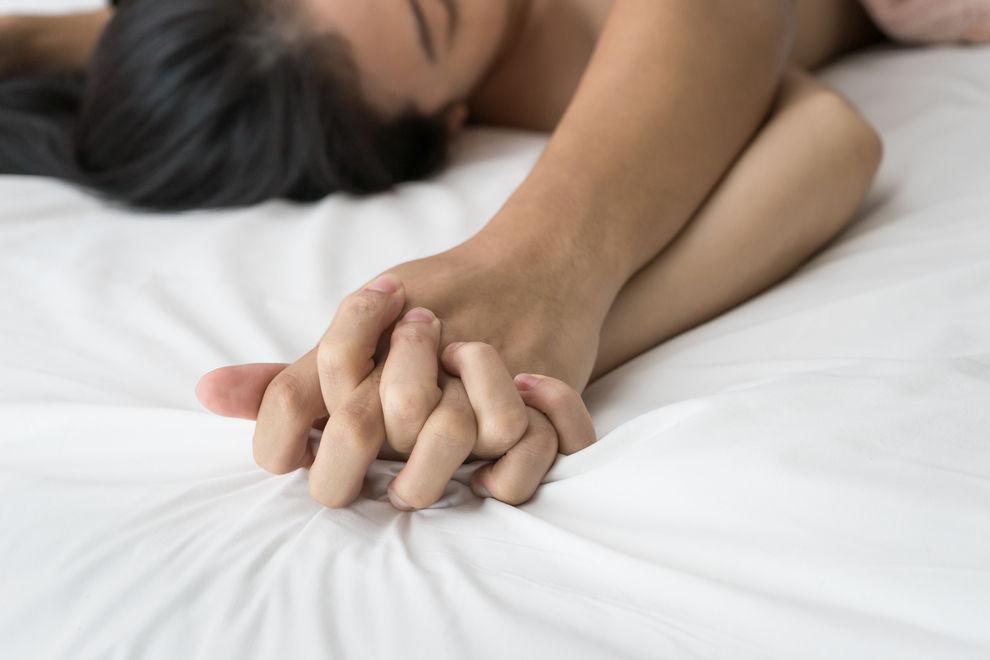 Diese Sternzeichen übernehmen beim Sex gerne die Kontrolle