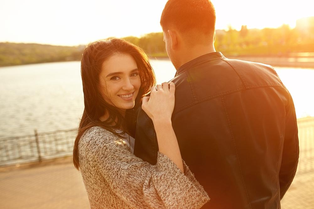 Männer lieben diese Körperstelle an Frauen und wissen nicht mal warum