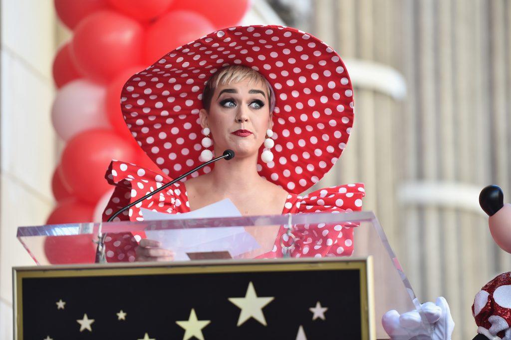 Katy Perry küsst 19-Jährigen gegen seinen Willen