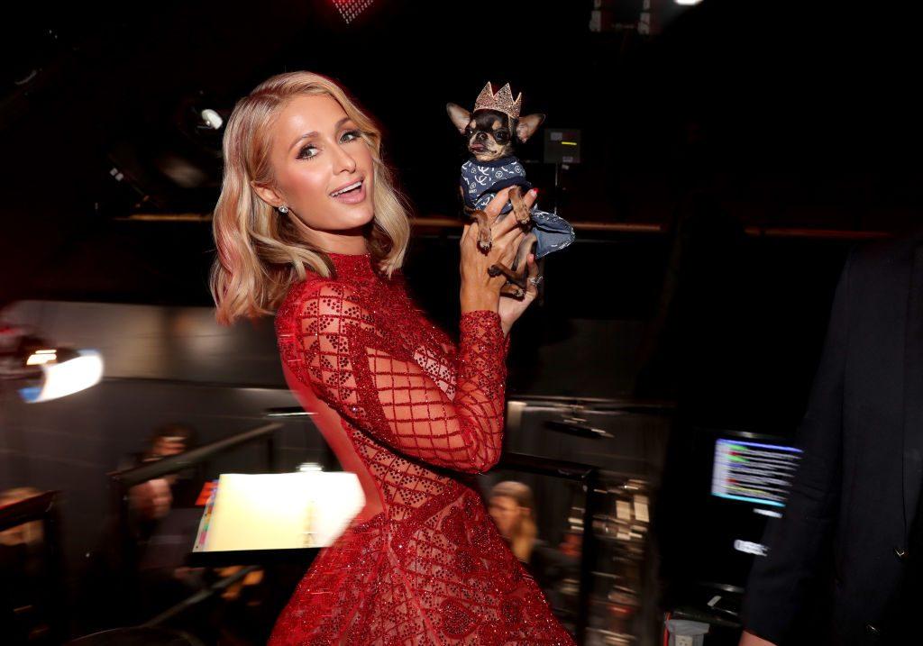 Paris Hilton hat ihren Verlobungsring beim Feiern verloren