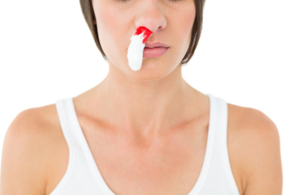Nasenbluten: Was tun und wann zum Arzt?