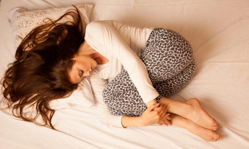 Periodenkrämpfe sind so schmerzhaft wie ein Herzinfarkt