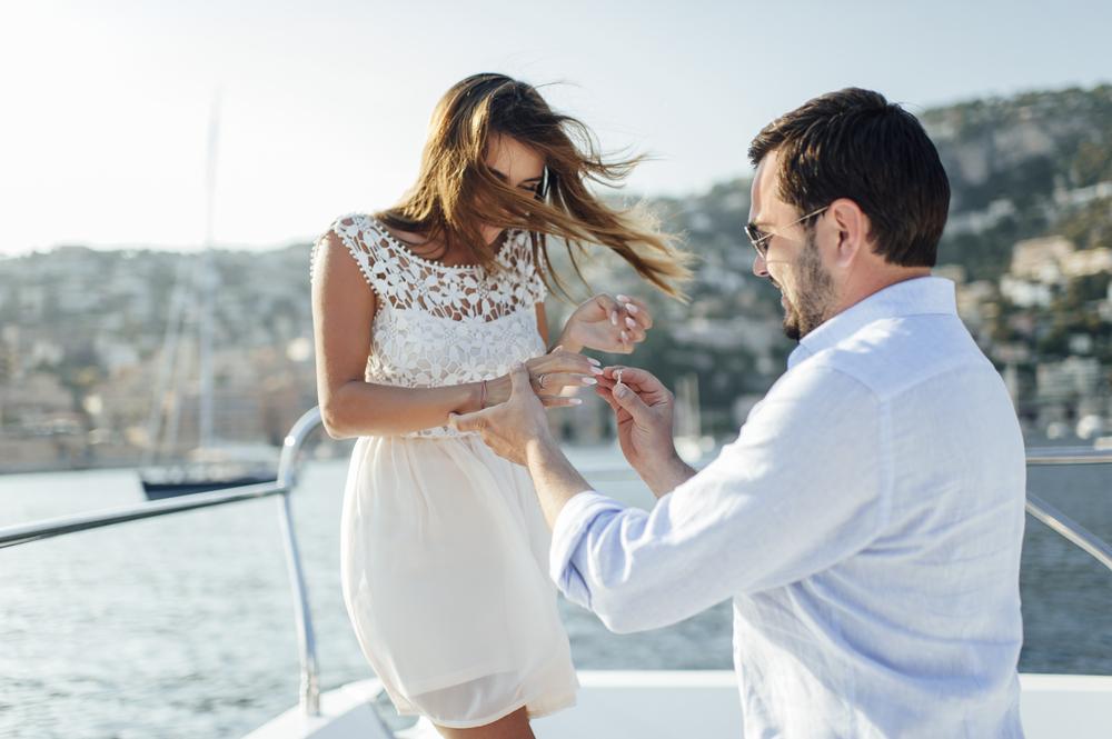 Burç işaretinize göre almanız gereken bu evlenme teklifi