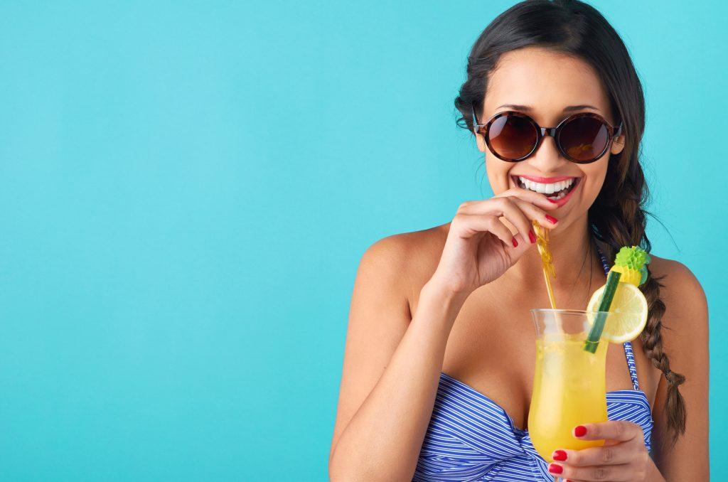 Cool down: Mit den McFizz-Drinks im McCafé holst du dir Erfrischung!