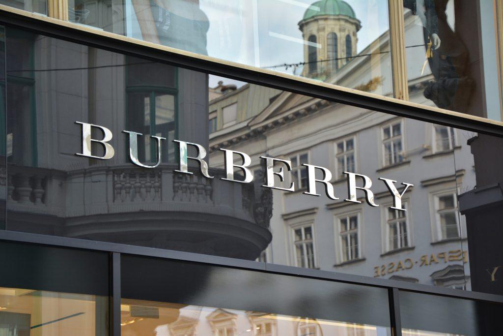 Burberry schmeißt eigene Ware im Wert von 32 Millionen Euro in die Mülltonne