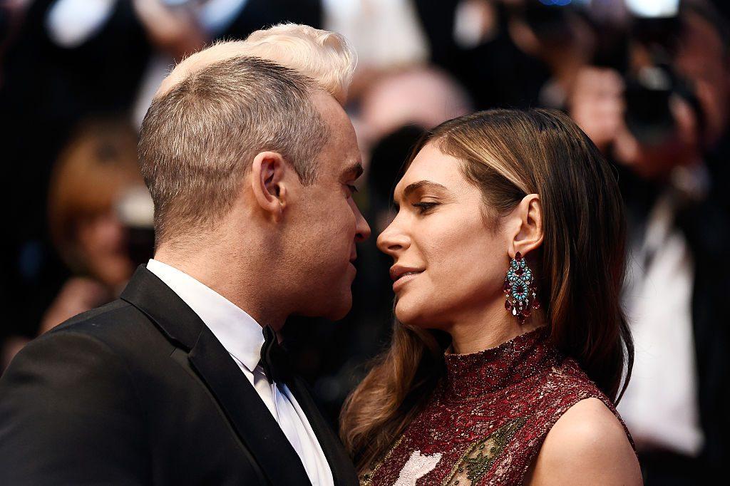 Robbie Williams & Ayda Fields: Drittes Kind von Leihmutter ausgetragen