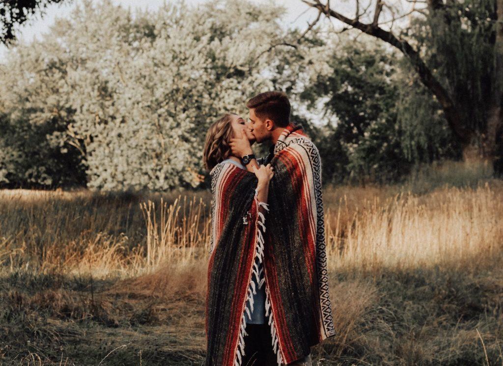 Bye Langeweile: So bringst du frischen Wind in eure Beziehung!