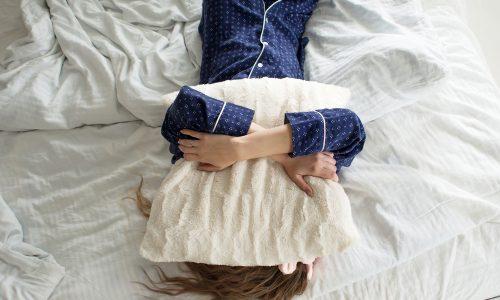 Mit diesen 5 Tipps kommst du morgens leichter aus dem Bett