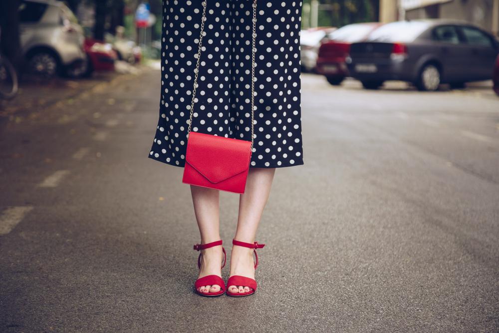 Mit diesen Mode-Tipps kommst du schweißfrei durch den Sommer