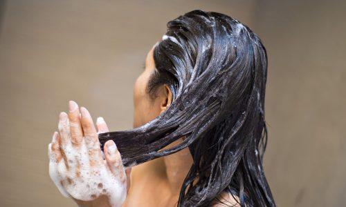 """Reverse Washing: Das passiert, wenn man sich die Haare """"falsch"""" wäscht"""