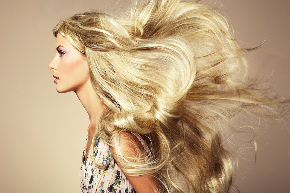 Blondes Haar Kann Durch Chlor Grünstich Bekommen