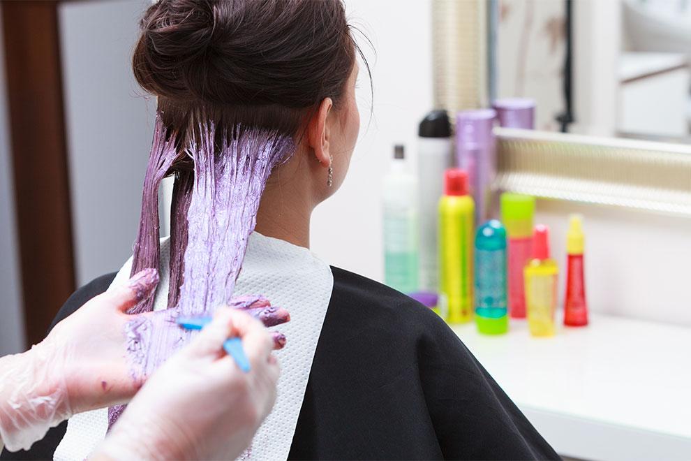 Dieser Trick verrät dir, ob deine Haare gesund genug für eine Färbung sind