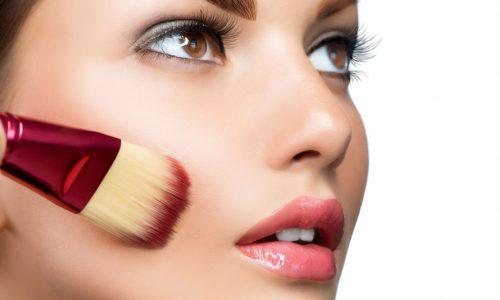 Wie schädlich ist Make-Up wirklich für unsere Haut