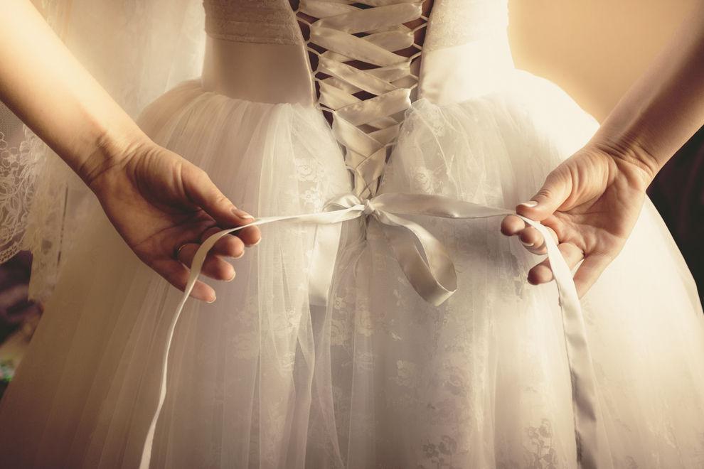 8 Dinge, die du wissen solltest, bevor du ein Hochzeitskleid kaufst