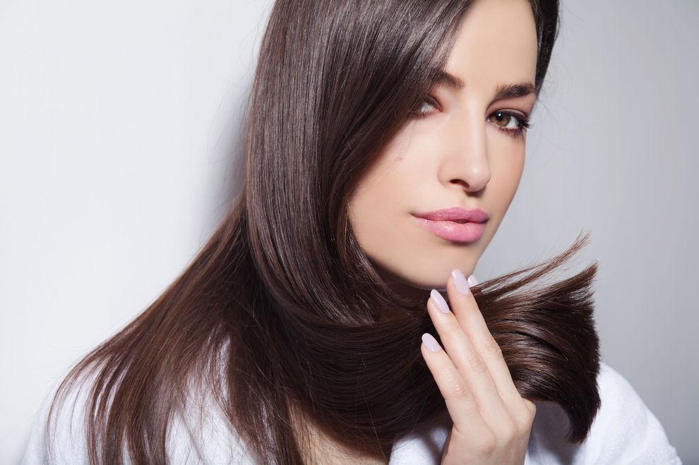 5 alltägliche Dinge, die deine Haare kaputt machen