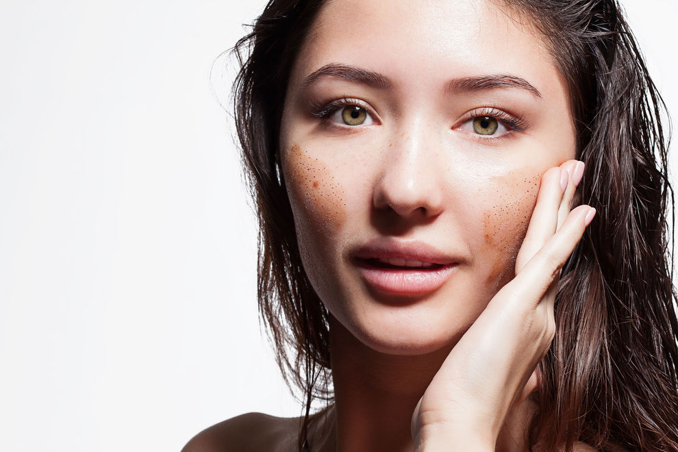 Peelings lassen unsere Haut schneller altern