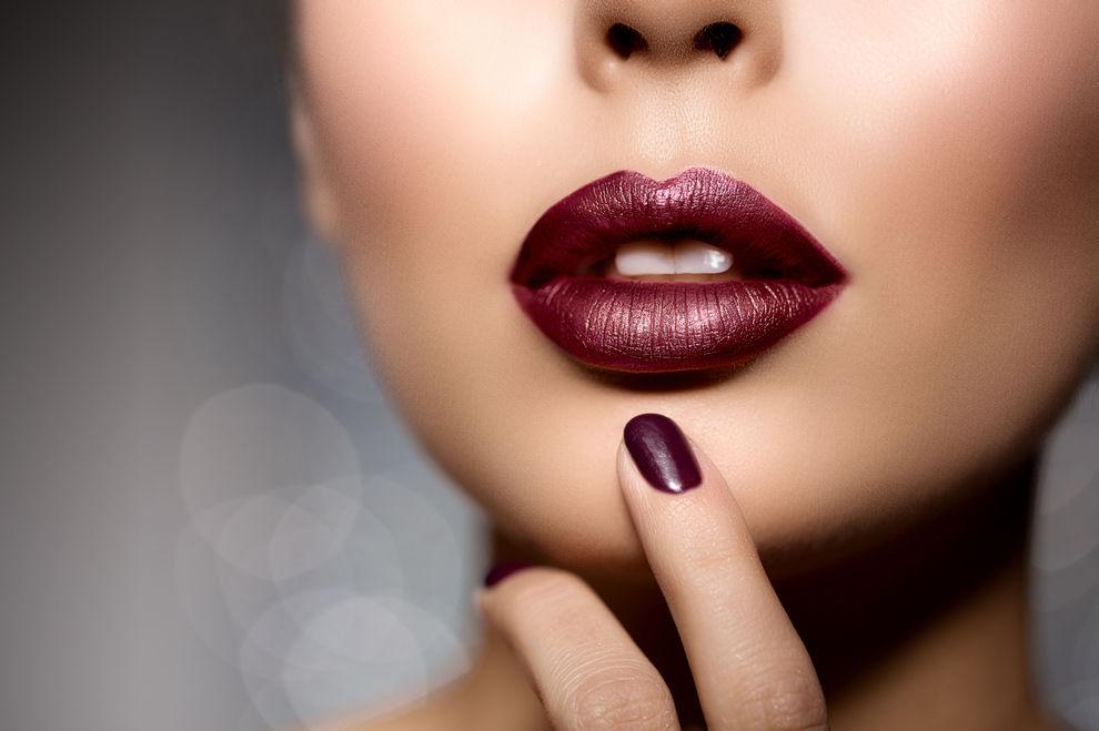 Rosa lippenstift braune haare