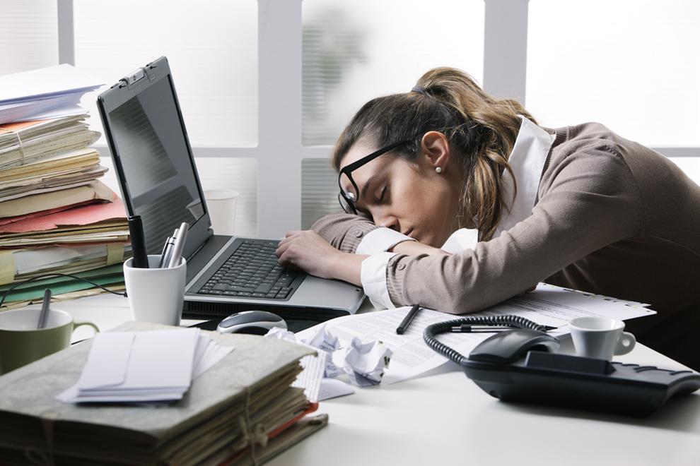 8 Tricks, die tagsüber gegen Müdigkeit helfen
