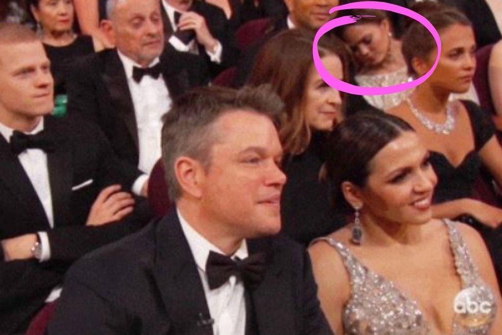 Chrissy Teigen ist bei den Oscars einfach eingeschlafen