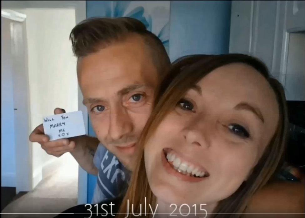 Dieser Mann machte seiner Freundin 149 Heiratsanträge, ohne dass sie es bemerkte