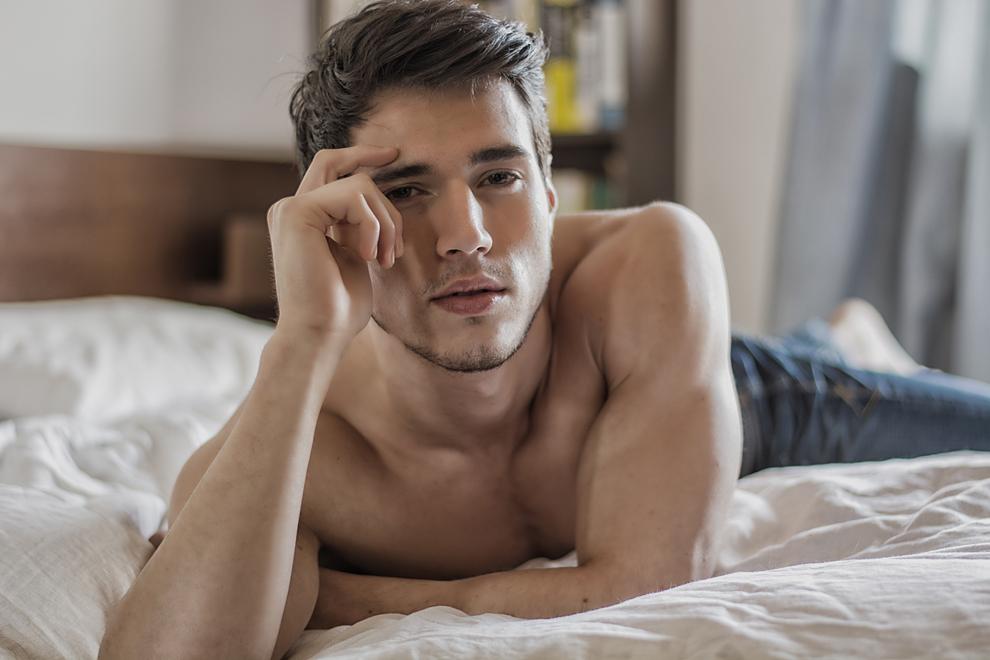 9 Dinge, die Männer im Bett über dich wissen wollen