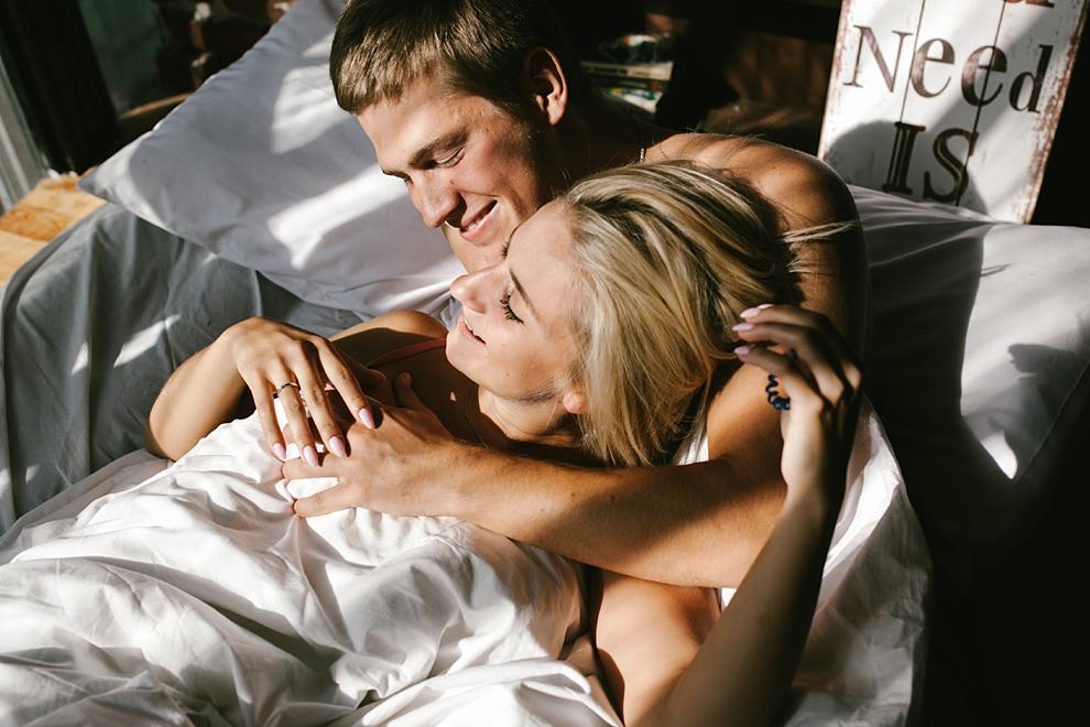 7 Merkmale von Paaren, die richtig Spaß im Bett haben
