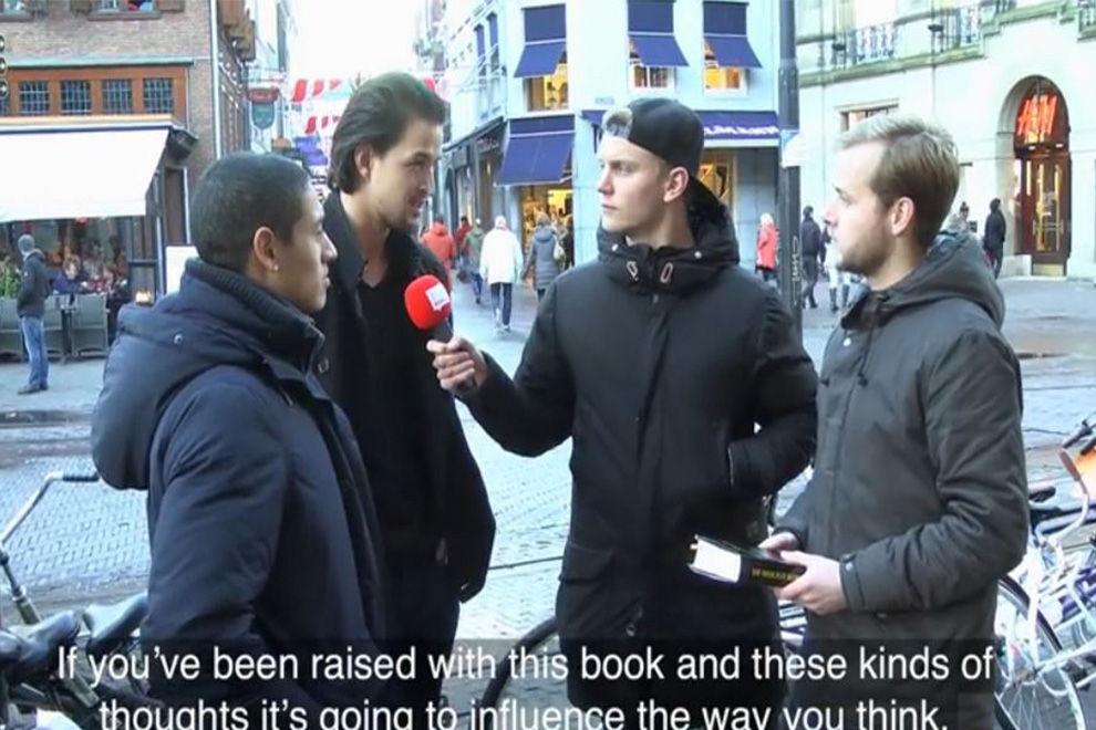 Youtuber tarnen Bibel als Koran und lesen Textpassagen vor