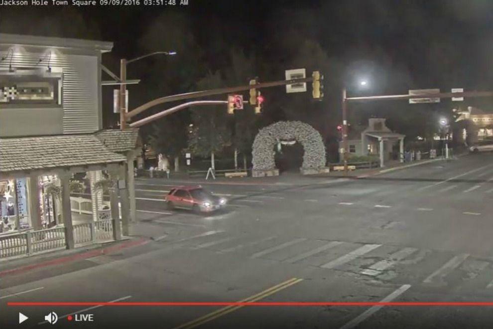 Warum tausende Menschen wie gebannt eine Straßenkreuzung beobachten