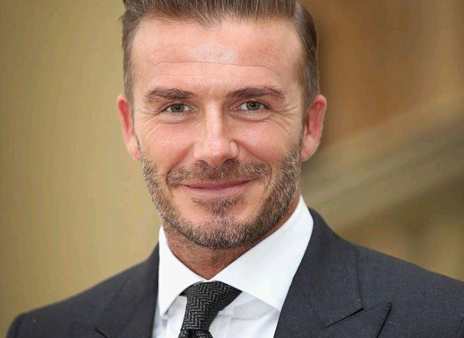 David Beckham verzichtet schon jahrelang auf Alkohol. Das erklärt wohl, warum er nicht altert!