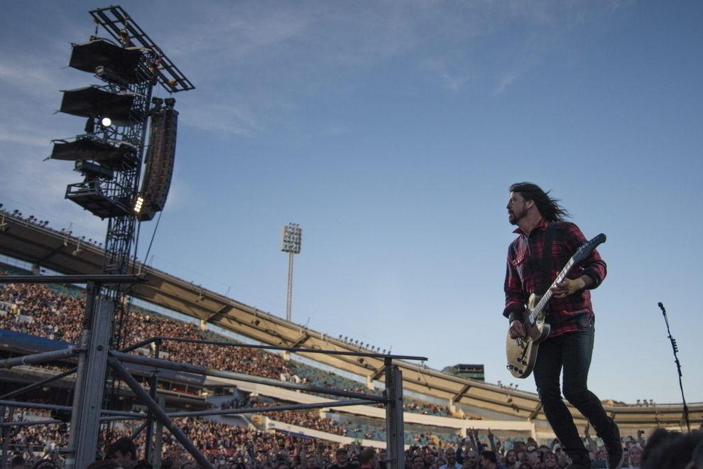 """""""Foo Fighters""""-Sänger Dave Grohl brach sich bei Konzert ein Bein"""