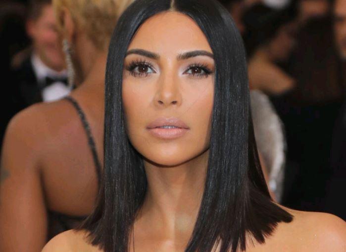 Kim Kardashian verzichtet auf Alkohol weil sie keinen Hangover haben will.