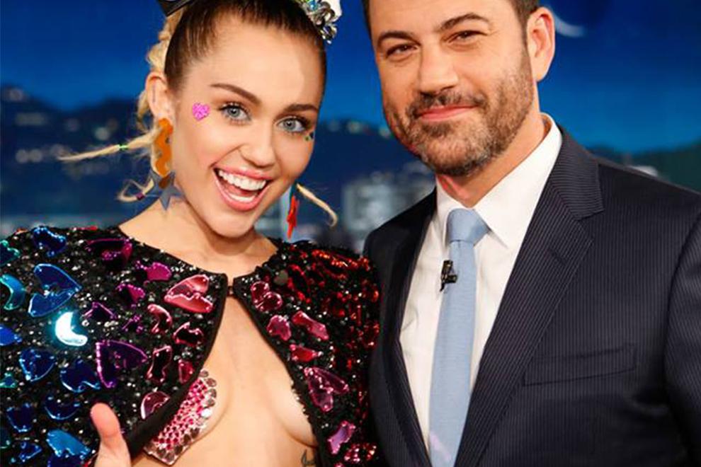 So freizügig zeigte sich Miley Cyrus bei Jimmy Kimmel