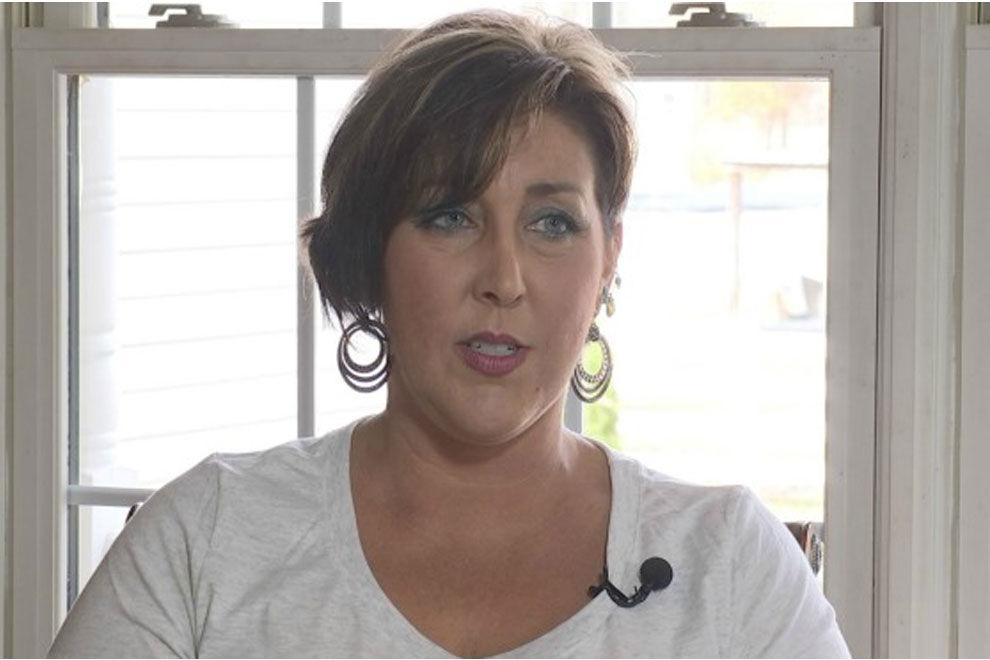 Die Brustimplantate dieser Frau fingen an zu schimmeln