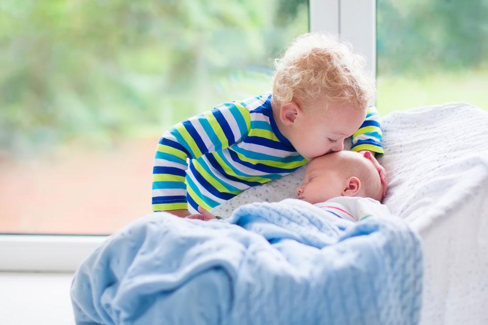 So bereitet man ein Kind auf ein Geschwisterchen vor