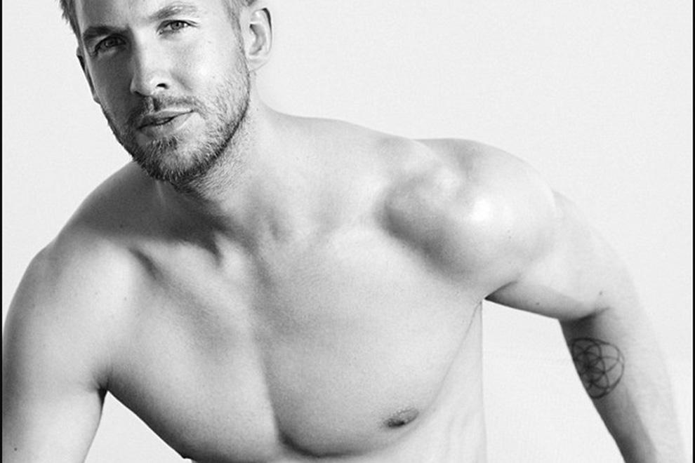 Calvin Harris modelt für Emporio Armani