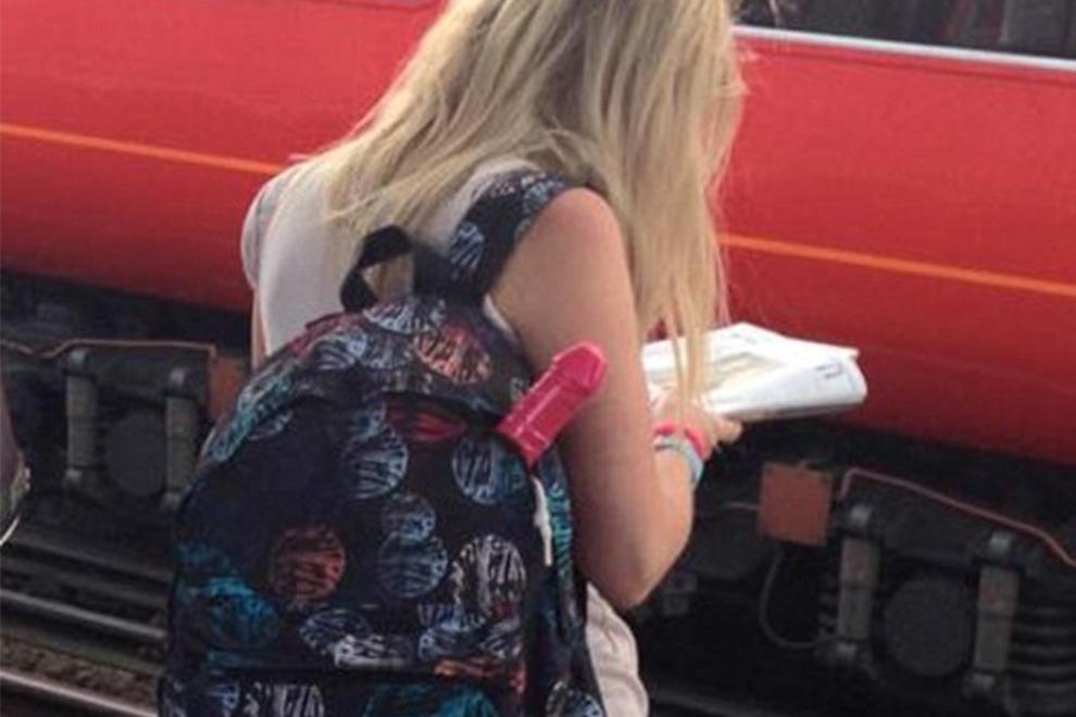 In Texas tragen Frauen jetzt Dildos mit sich herum
