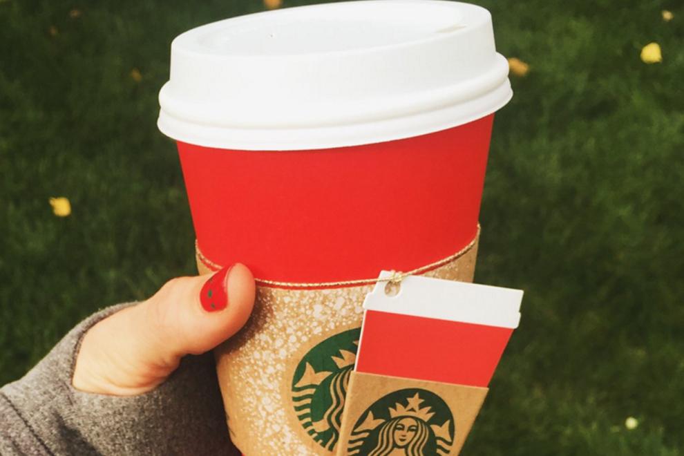 Dieser Pappbecher von Starbucks versetzt die Welt in Aufruhr