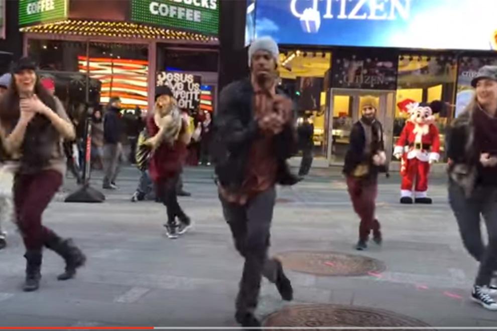 Dieser Flashmob-Heiratsantrag ist genial!