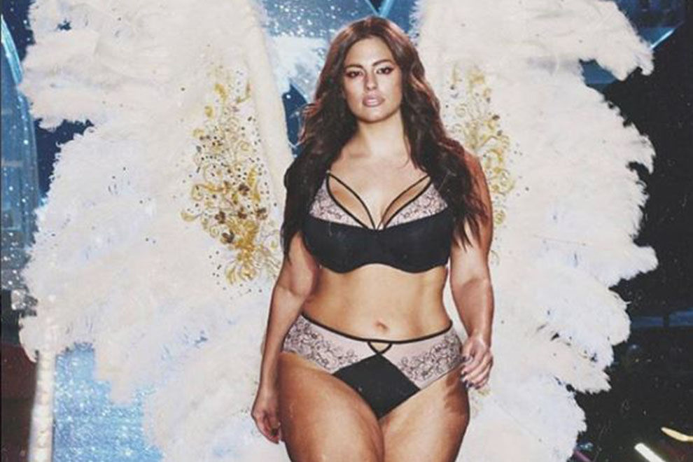 Plussize-Model schummelt sich in die Victoria's Secret Show