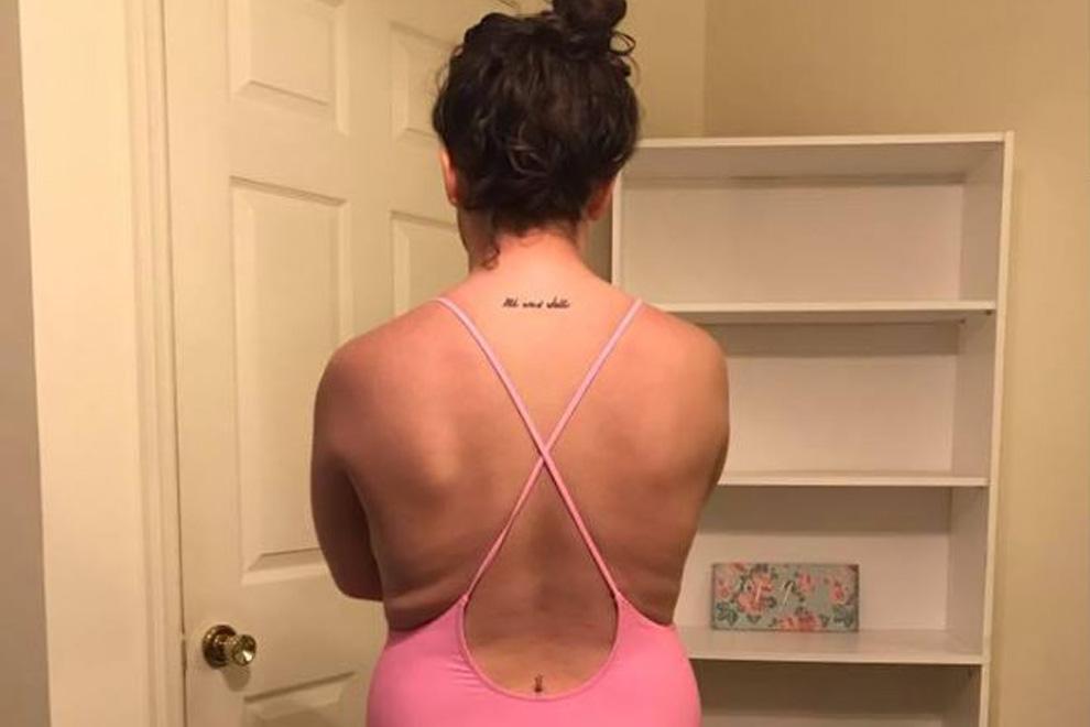 Frau wurde aus Pool geschmissen weil sie diesen Badeanzug trug