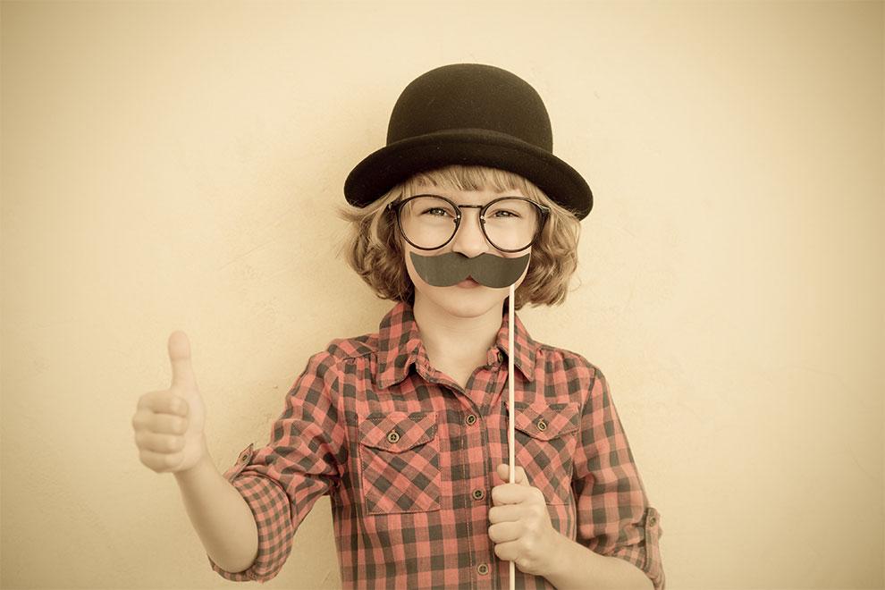 Den Schnurrbart für den guten Zweck sprießen lassen