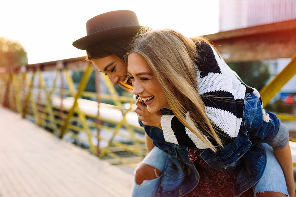 6 Anzeichen, dass du die ALLERBESTE beste Freundin hast