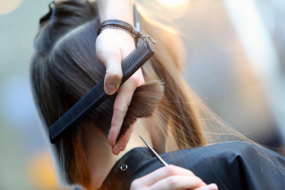 Warum sich tausende Frauen die Hälfte ihrer Haare abschneiden und damit total im Trend sind