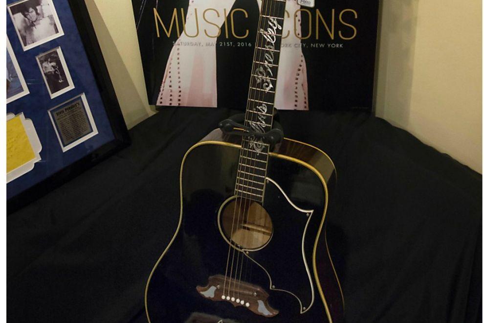 Diese unglaubliche Summe erzielte Elvis Presleys Gitarre bei einer Versteigerung